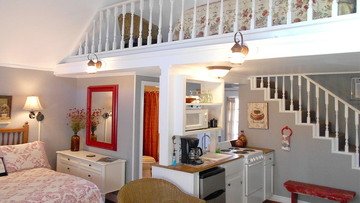 Kitchen area in the Eureka Springs Cottage, The Carriage House